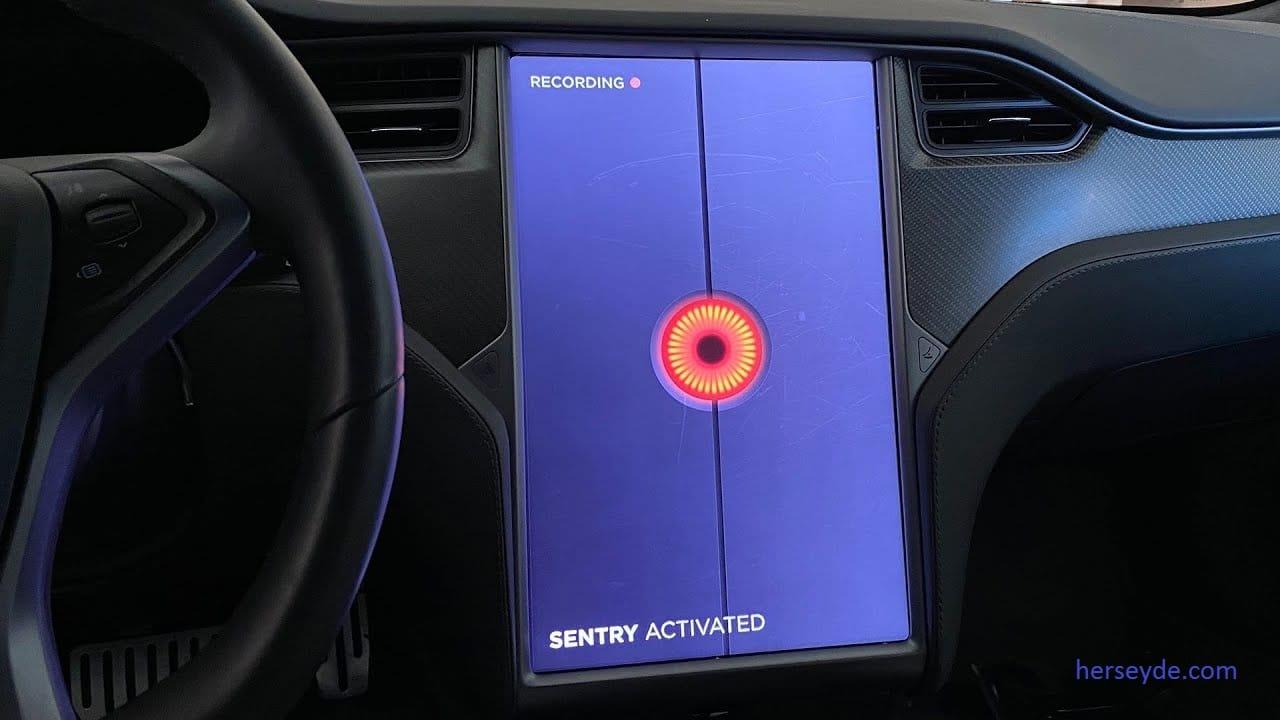 Tesla'dan Araç Kameralarına Uzaktan Erişim